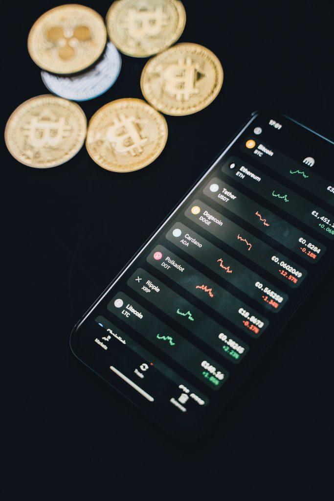 Mobieltje met munten